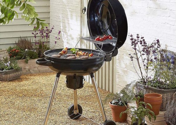 MasterChef Professional 54cm BBQ with Hinged Lid
